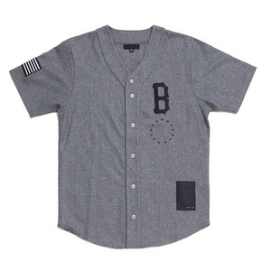 BLACK SCALE B LOGO BASEBALL JERSEY (GREY)